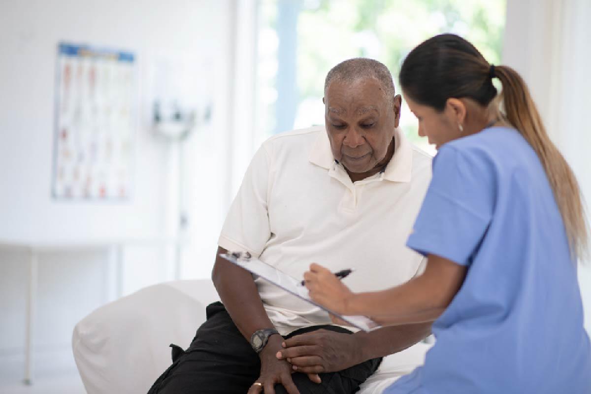 elderly-man-check-up